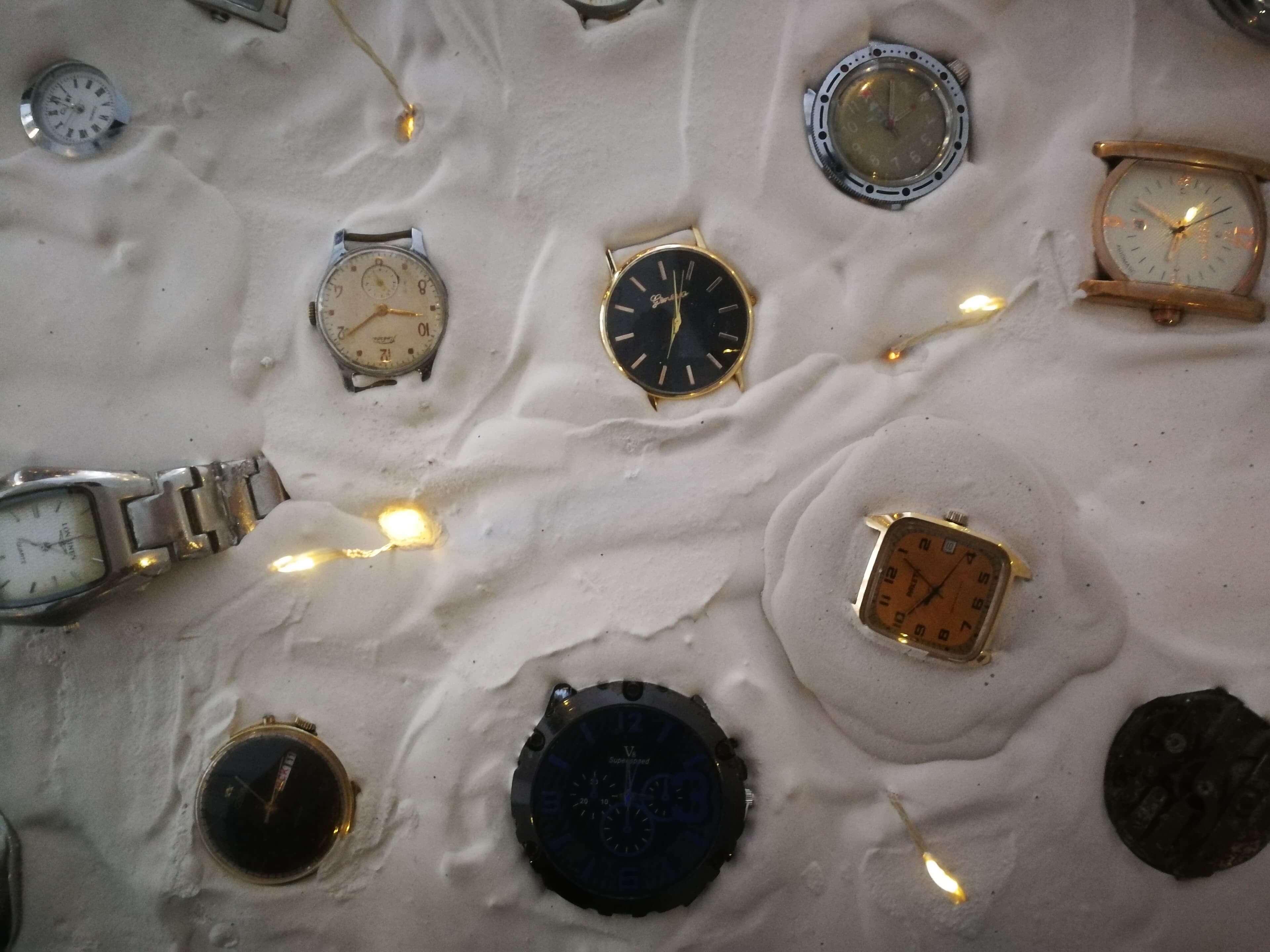 """Meninė instaliacija """"Sustojęs laikas""""-002"""